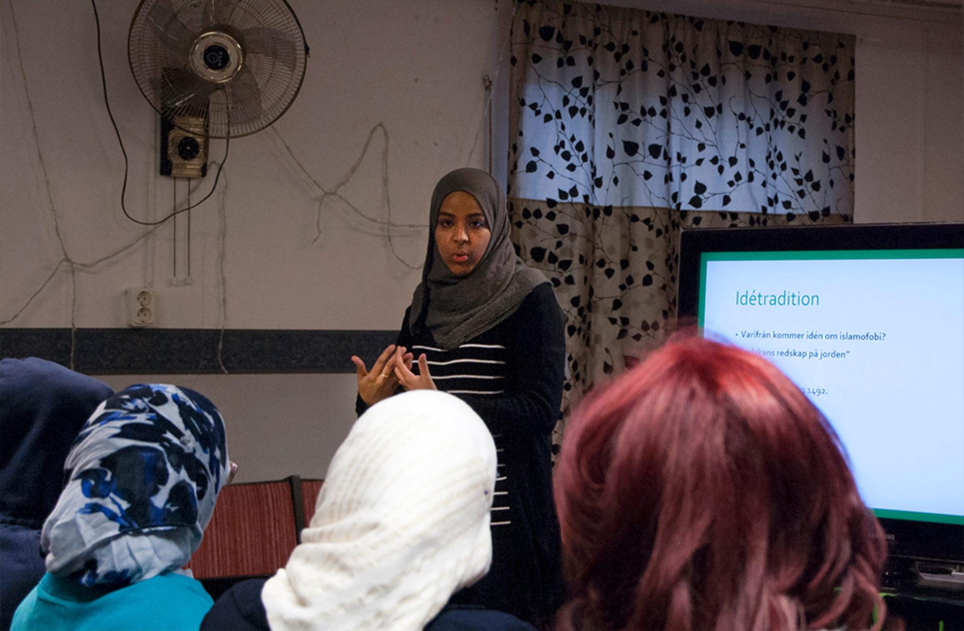 Islamofobi bekämpas med kunskap